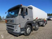 Kamion cisterna Volvo FM300 8x2*6 24.500 l. ADR