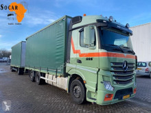 Lastbil med släp skjutbara ridåer (flexibla skjutbara sidoväggar) Mercedes Actros 2642