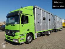 Хенгер ремарке за превоз на животни Mercedes Actros Actros 18.430 / Hubdach / 3 Stock / mit Trailer
