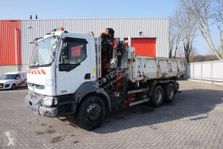 Renault Kerax 370 truck damaged flatbed