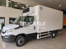 Iveco egyhőmérsékletes hűtőkocsi teherautó 70C15