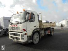 Camião Volvo FM9 260 basculante para obras usado
