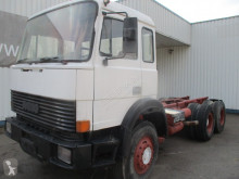 Camion châssis Iveco 330.30
