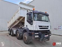 Camión volquete Iveco Trakker 410