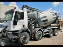 Camião Iveco betão betoneira + bomba usado
