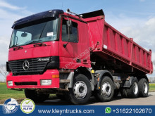 Camion tri-benne Mercedes Actros 3243
