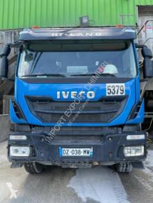 Kamión betonárske zariadenie domiešavač Iveco Trakker