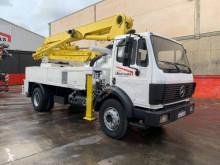 Vrachtwagen beton betonpomp Mercedes SK 1722