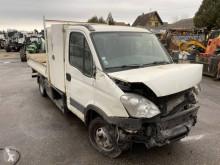 Camião Iveco Daily 35C15 basculante acidentado