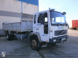 Camion Volvo FL6 benne occasion