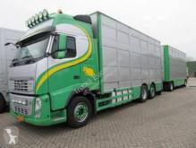 Camión remolque ganadero Volvo