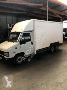 camion fourgon Peugeot