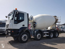 Camion béton toupie / Malaxeur Iveco Trakker 410 EEV