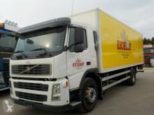 Vrachtwagen Volvo FM260-EURO3-MANUAL-HEBEBÜHNE- KM tweedehands bakwagen