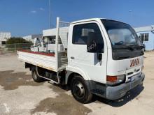 Lastbil Nissan Cabstar 2.5 dCi 110 betongpump begagnad
