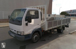 Camion Nissan Cabstar E 110.35 plateau standard occasion