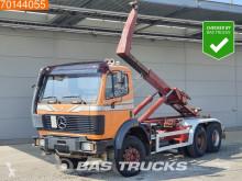 Camión Gancho portacontenedor Mercedes 2629