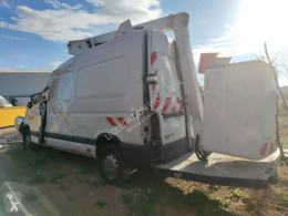 Lastbil Renault Master 120 DCI Crashed van Time france 12.5m lift brugt
