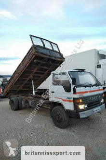 Camion Toyota Dyna 300 ribaltabile trilaterale usato