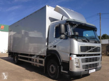 Camion isotermico Volvo FM9 260