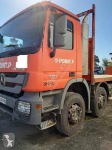 Camion plateau Mercedes Actros 3241