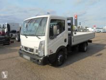 Camion plateau Nissan NT 400
