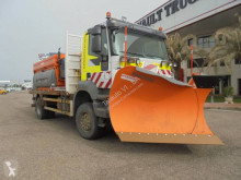 Iveco snow plough-salt spreader Trakker 310