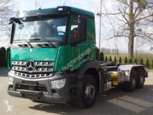 Camión Gancho portacontenedor Mercedes Arocs 2640 6x4 EURO6 Abrollkipper HIAB 21T