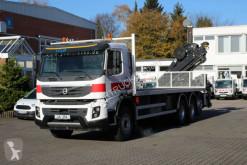 Volvo flatbed truck FMX 410 8x4 VEB+/Plattform 8m/Kran Hiab 15m/Funk