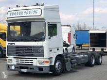 Camión Volvo F10 chasis usado