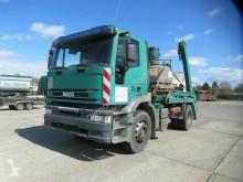 Kamión vozidlo s hákovým nosičom kontajnerov Iveco Cursor 310 Cursor Absetzer, Arme+Abstützung teleskopier