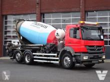 Camion béton toupie / Malaxeur Mercedes Axor 2533