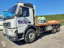 Camion plateau Volvo FM 380