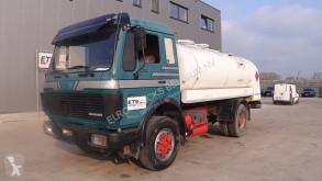 Camión Mercedes SK cisterna usado