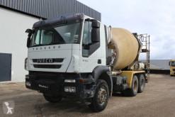 Camión Iveco Trakker 330 hormigón cuba / Mezclador usado