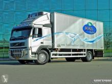 Lastbil kylskåp Volvo FM9