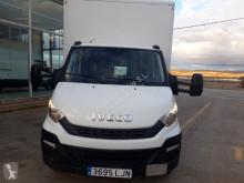 Camión furgón Iveco 70C18/P con puerta elevadora