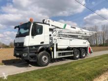 Vrachtwagen beton betonpomp Mercedes Arocs 2640