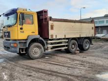 Camión MAN 33.414 volquete usado