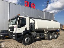 Camion cisterna Iveco Trakker 380