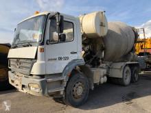 Kamion Mercedes Axor beton frézovací stroj / míchačka použitý
