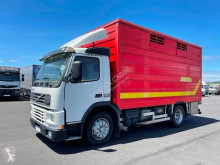 Camion Volvo FM7 250 remorcă transport animale second-hand
