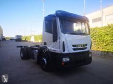 Camion châssis Iveco Eurocargo 140 E 18
