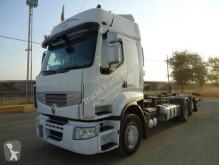 Kamión na prepravu kontajnerov Renault
