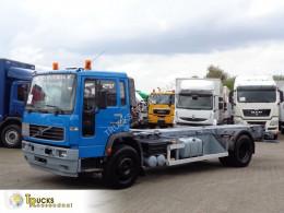 Camion châssis Volvo FL 250