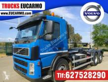 Kamión hákový nosič kontajnerov Volvo