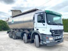 DAIMLERCHRYSLER AG CON CISTERNA truck used tanker