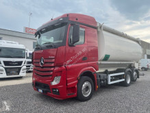 Camion Mercedes Actros cisterna trasporto alimenti usato