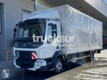 Volvo ponyvával felszerelt plató teherautó FL