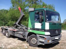 Mercedes billenőplató teherautó